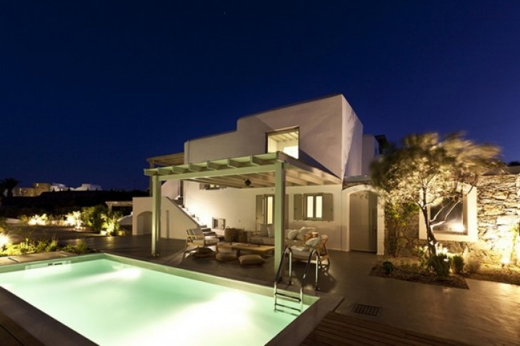 Permalink to Courtyard Water Feature for Spectacular Greek Villas Architecture